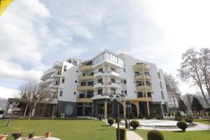 Hotel 1 Maji - Tushemisht
