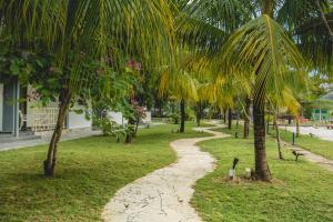 Alia Residence Business Resort, Resorts  Pantai Cenang - big - 37