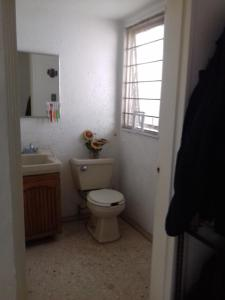 Habitacion con vigilancia al sur CDMX, Homestays  Mexico City - big - 8