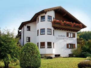 Landhotel Sonnenhalde - Eschenbach