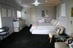 Eleanor Gorrie B & B, Bed and Breakfasts - Nelson