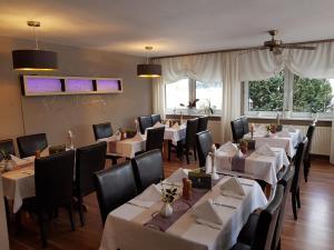 Hotel-Restaurant Zur Fichtenbreite, Hotels  Coswig - big - 24