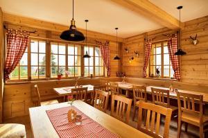 Landgasthof Riedl, Hotels  Hohenau - big - 17