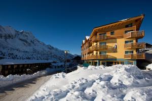 Passo Tonale Hotels