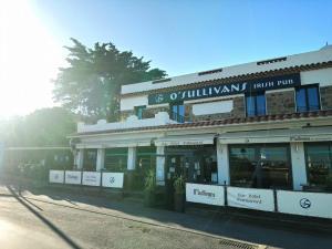 O'Sullivans Bar and Hotel - Mandelieu-la-Napoule
