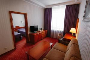 Business Hotel Neftyanik na Tolstogo - Almetyevsk