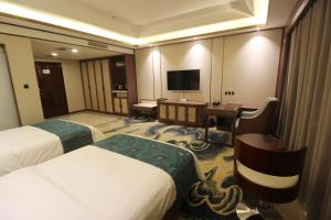 ZhangYe Diamond Hotel