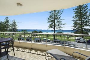 obrázek - Rainbow Place unit 8 - Beachfront Apartment in Rainbow Bay Coolangatta