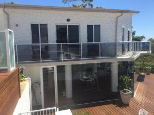 Villa Deville, Apartmanok  Dawesville - big - 37