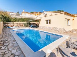 Villa Rolando, Holiday homes  L'Escala - big - 16
