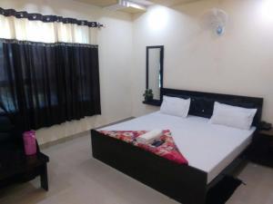 Hotel Maya Shyam, Hotels - Fatehpur