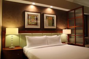 Luxury Suites International at The Signature