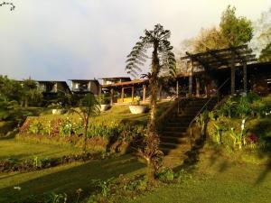 Villa Calas, Vara Blanca