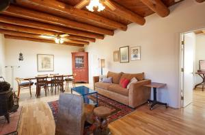 245 Rael Road Home, Case vacanze  Santa Fe - big - 1