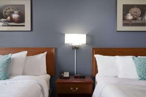 Super 8 by Wyndham Whitecourt, Szállodák  Whitecourt - big - 26