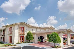 Travelodge by Wyndham North Richland Hills/Dallas/Ft Worth