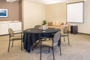 Super 8 by Wyndham Windsor NS, Hotels  Windsor - big - 21