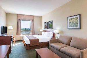 Super 8 by Wyndham Windsor NS, Hotels  Windsor - big - 12