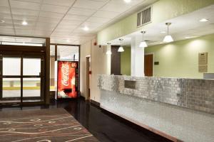 Travelodge Sturgis- Michigan, Motels  Sturgis - big - 10