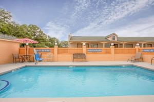 Super 8 by Wyndham Sumter, Motels  Sumter - big - 15