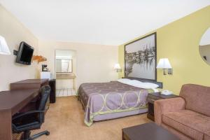 Super 8 by Wyndham Sumter, Motels  Sumter - big - 13