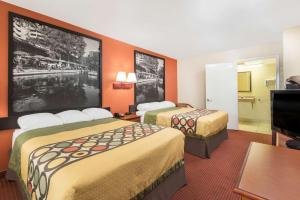 Super 8 by Wyndham San Antonio at I-10, Motels  San Antonio - big - 30