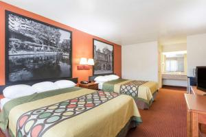 Super 8 by Wyndham San Antonio at I-10, Motels  San Antonio - big - 34