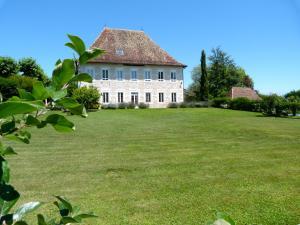 Domaine Du Manoir - Accommodation - Les Avenières