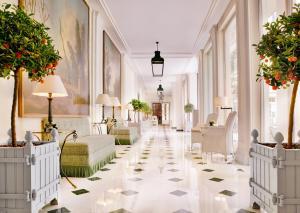 Location gîte, chambres d'hotes Le Bristol Paris - an Oetker Collection Hotel dans le département Paris 75