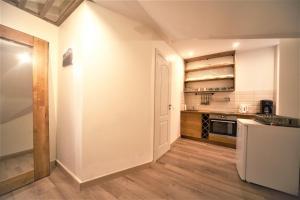 Apartment On Peitavas St 4