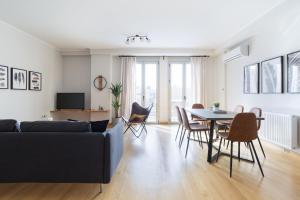 Stylish and Spacious 2BD - Thiseio by UPSTREET