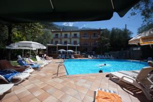 Hotel Alpi, Szállodák  Malcesine - big - 21