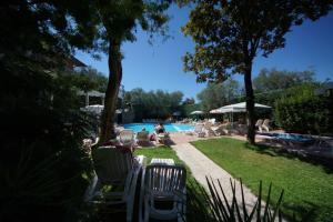 Hotel Alpi, Hotel  Malcesine - big - 38