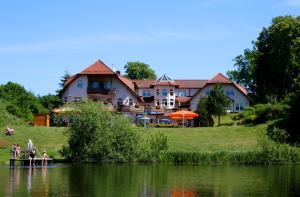 Hotel Heidekrug - Canow