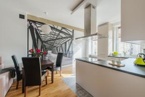 Chmielna Warsaw Cental Station PO Serviced Apartments