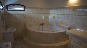 Villa kodo, Apartments  Les Mangles - big - 7