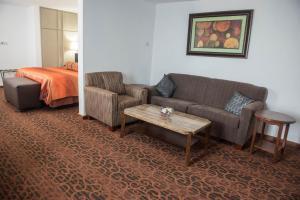 Golden Tulip Essential Kimbima, Hotels  Freetown - big - 51