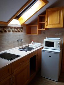 Kaiser Apartman, Ferienwohnungen  Hévíz - big - 35