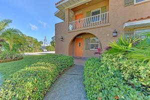 Casa Sierra 205 A - Holmes Beach