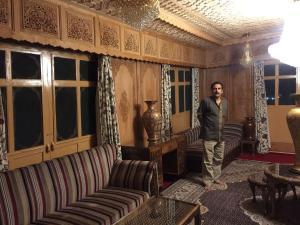 Sher I Kashmir houseboats, Szállodák  Szrínagar - big - 21