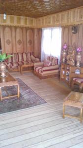 Sher I Kashmir houseboats, Hotels  Srinagar - big - 22