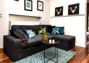 AmberHome Luxury Apartment