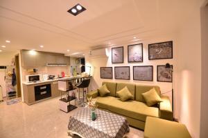 Theone House, Апартаменты/квартиры  Гуанчжоу - big - 16