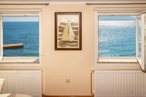 Apartment Bojan with Terrace and Sea View