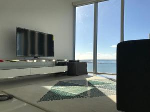 Amazing 2/2 In Iconic Hotel Residences With Spectacular Views, Apartmanok  Miami - big - 4