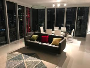Amazing 2/2 In Iconic Hotel Residences With Spectacular Views, Apartmány  Miami - big - 25
