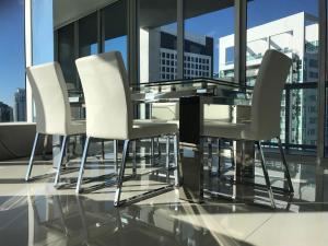 Amazing 2/2 In Iconic Hotel Residences With Spectacular Views, Apartmanok  Miami - big - 13