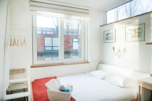 Private studio on houseboat in the centre! - Amsterdam