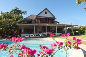 Hidden Bay Four Bedroom Villa - Runaway Bay