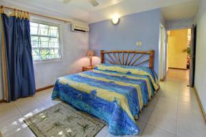 Baywatch Three Bedroom Villa - Runaway Bay